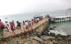 Lo ngại khi xây thêm cầu tàutrong bảo tồn biển Hòn Mun
