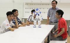 Khóa học lập trình miễn phí với robot cho học sinh