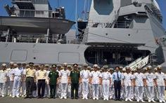 Chiến hạm Fuyuzuki Nhật Bản thăm cảng Cam Ranh