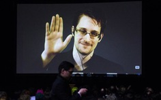 Edward Snowden được tùy nghi ở lại Nga
