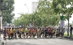 Gần 1.500 người chạy việt dã chào mừng 30-4