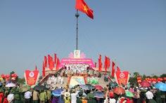 Thiêng liêng lễ thượng cờ mừng ngày thống nhất đất nước