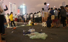 Sau pháo hoa, đường phố Đà Nẵng ngập rác