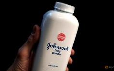 Johnson & Johnson phải bồi thường 110 triệu USD cho 1 phụ nữ
