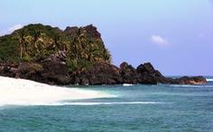 Khách ồ ạt ra đảo Bé