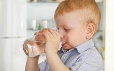 Những lưu ý giúp trẻ tránh suy giảm tuần hoàn vì mất nước