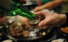 Bí quyết giữ sức khỏe khi uống rượu của người Hàn Quốc
