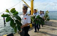 Mầm xanh mới - tình yêu đất liền gửi đảo Phan Vinh