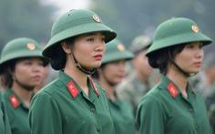 100 nữ chiến sĩ mới tuyên thệ