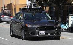 Yếu thế trong vụ kiện xe tự lái, Uber sa thải nhân viên