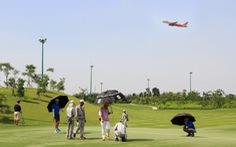 Audio 9-6:Vào sân bay… đánh golf