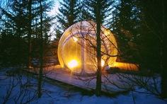 Ngắm cực quang từ căn phòng 'bong bóng' độc đáo ở Iceland