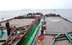 Bắt năm sà lan chở 2.000 mét khối cát nhiễm mặn