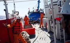 Cứu thành công tàu cá cùng 17 ngư dân trôi dạt trên biển