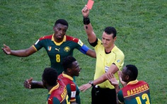 Trọng tài rút thẻ đỏ nhầm cầu thủ ở Confederations Cup 2017