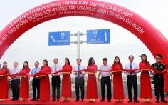 Clip thông xe cầu vượt cửa ngõ sân bay Tân Sơn Nhất