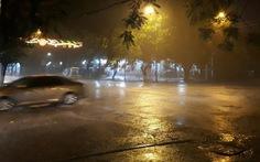 Bão số 2 vào sát bờ, các tỉnh Bắc Trung Bộ mưa to