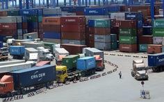Hàng ùn ứ ở cảng vì quy định 'cửa nhập khẩu'