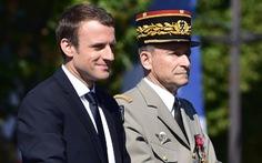 Chê tổng thống hà tiện, sếp quốc phòng Pháp từ chức