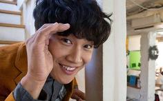 'Ông ngoại tuổi 30' Cha Tae Hyun ủng hộ bệnh nhi ung thư
