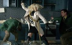 Xem Atomic Blonde: ngắm Charlize Theron thôi cũng đủ rồi