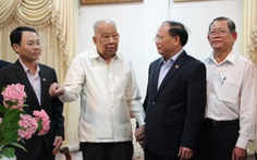 Lãnh đạo TP.HCM thăm nguyên tổng bí thư Lào Khamtay Siphandon
