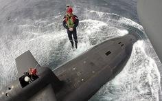 Tổng thống Pháp được thả xuống tàu ngầm như thế nào?