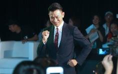 Lưu Đức Hoa lần đầu lộ diện: 'Tôi đã có thể nhảy tưng tưng'
