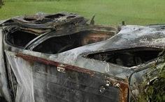 Khởi tố 3 người kích động, đốt ôtô giám đốc vì nghi 'thôi miên'