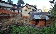 Nepal ngăn hủ tục buộc phụ nữ ngủ lều trong 'ngày ấy'