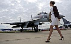 Nga tuyển chân dài làm phi công chiến đấu