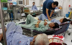Ai dễ biến chứng khi sốt xuất huyết?