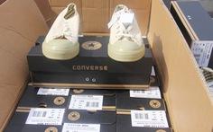 Thu giữ hơn chục ngàn đôi giày Trung Quốc nhái hàng Mỹ
