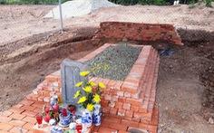 Vụ mộ vợ vua Tự Đức: bị san ủi do không nhìn thấy mộ!