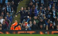 Rooney lập công, Everton cầm chân M.C trong trận cầu 2 thẻ đỏ