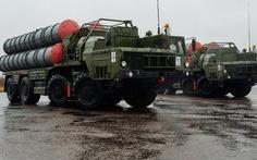Tên lửa S-400 của Nga đắt như tôm tươi