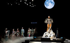 Lan Khuê hoá Bướm Tiên trong show của nhà thiết kế điên nhất Việt Nam