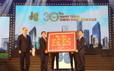 Tập đoàn Xây dựng Hòa Bình đón nhận Huân chương Lao động hạng Nhì