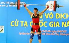 Đánh bại Quốc Toàn, Thạch Kim Tuấn đăng quang cử tạ quốc gia