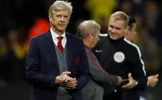 Arsenal từ bỏ hi vọng vô địch