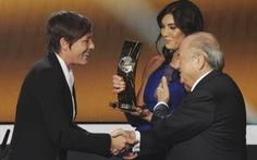 Ông Sepp Blatter bị tố quấy rối tình dục