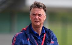 """HLV Van Gaal: """"Lối đá của Mourinho buồn chán hơn tôi"""""""