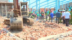 Thêm một nạn nhân tử vong sau vụ sập tường tại khu công nghiệp Hòa Phú