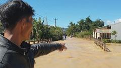 Sau mưa lớn, lũ hoành hành tại ngoại ô TP Bảo Lộc