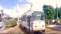 Video: Hai xe buýt điện đâm nhau ở Romania
