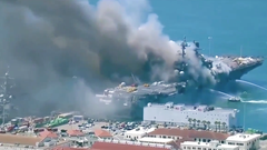 Video: Tàu tấn công đổ bộ USS của Mỹ bốc cháy, ít nhất 18 thủy thủ bị thương
