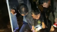 Video: Bắt nhóm nghi phạm đi ôtô, giả thu mua gỗ để vận chuyển ma túy