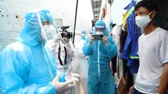 Video: Bí thư Thành ủy TP.HCM thăm hỏi, động viên người dân khu phong tỏa