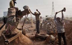 Liên hiệp quốc: Thế giới đang sử dụng cát nhiều khủng khiếp