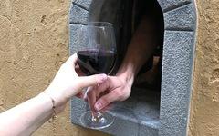 Ý khôi phục 'hố rượu vang' thời Phục hưng để phục vụ thực khách thời COVID-19